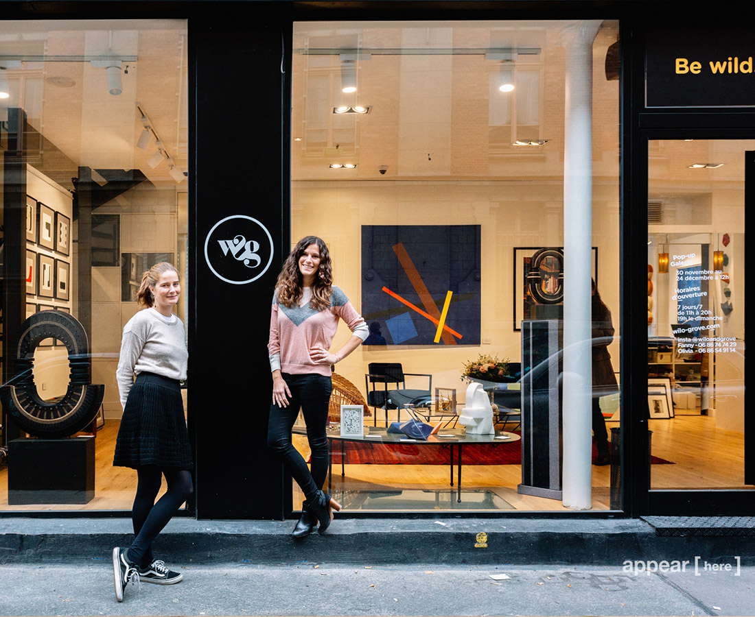 pop up rue Madame - fondatrices devant vitrine