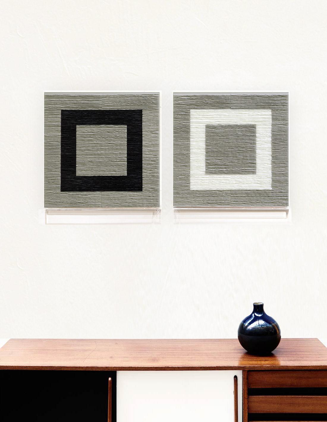 Fernando Daza - Structure carrée noire et blanche sur fond gris