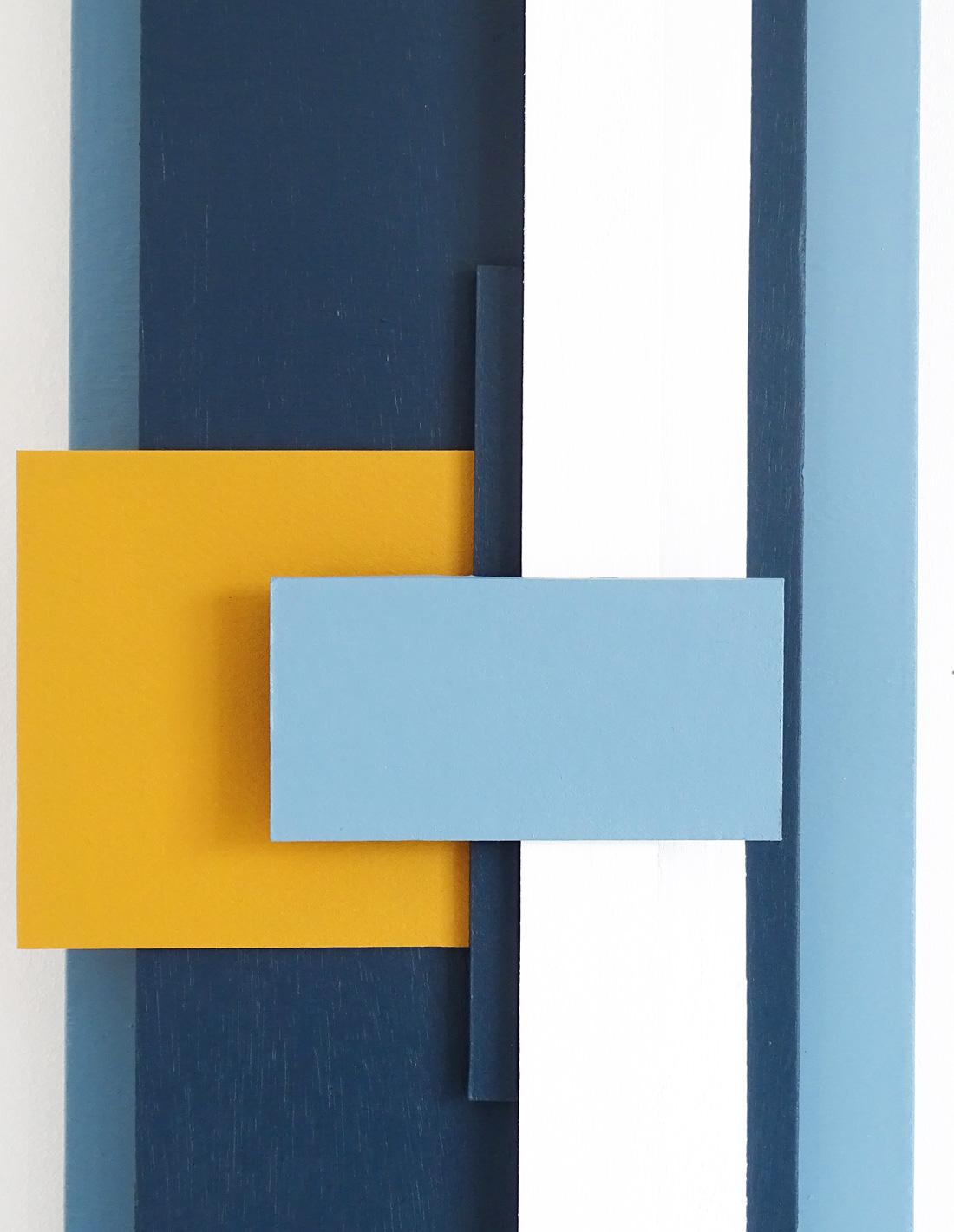 Structure-en-bleu-no-2-close-up-1