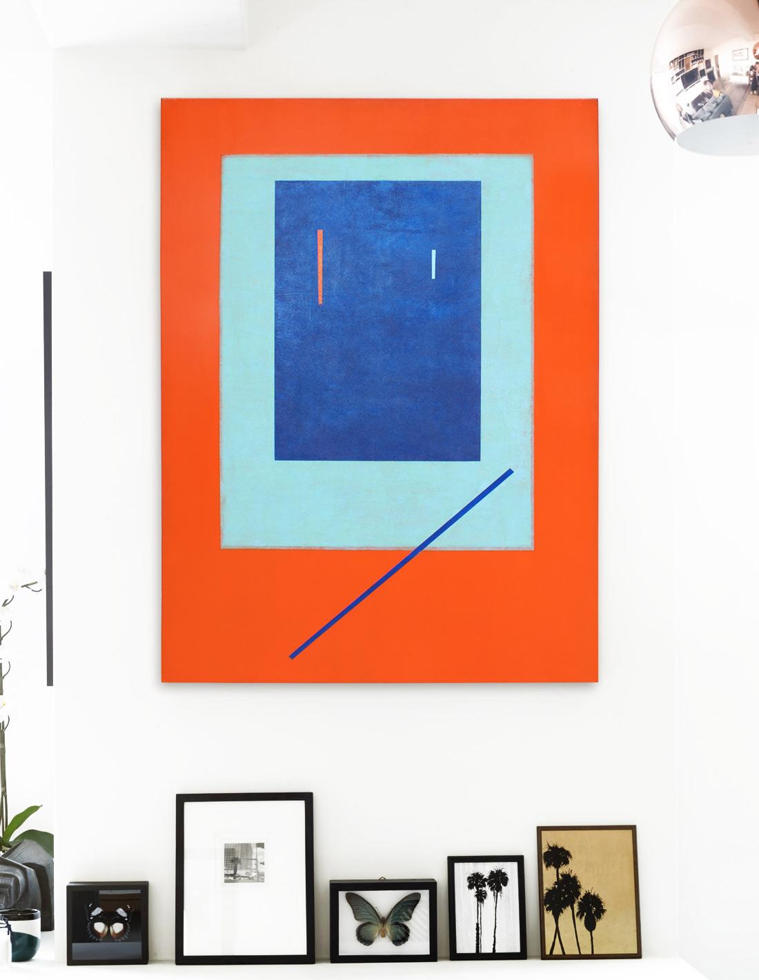 Sans-titre-(fond-orange,-rectangle-bleu)-insitu